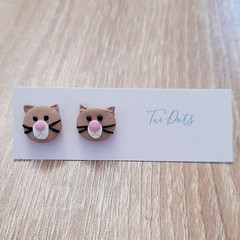 Clawdia Cat stud earrings