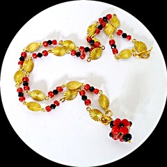 Red and black glass necklace