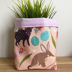 Small fabric planter | Storage basket | Pot cover | NATIVE ANIMALS