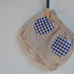 Unisex bloomers with back pocket / Sizes from 1 months to 3 years