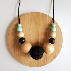 Ladies Beaded Necklace - Black and Mint