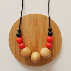 Red and Black Beaded Ladies Necklace