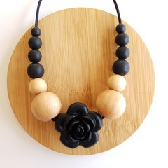 Black Rose Ladies Necklace