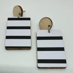 Monochrome striped print earrings