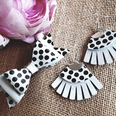 Matching Mother/Baby Leather Earring & Bow Set White/ Blue/ Pink