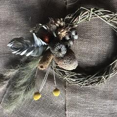 Seasonal wreaths and hoops