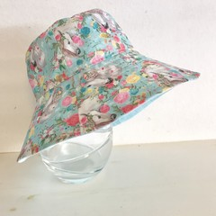 Girls summer hat in beautiful horses fabric