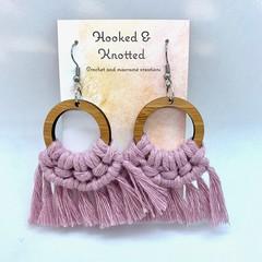 Dusty pink macrame dangle earrings
