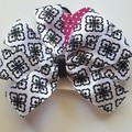 Black and white pinwheel bow
