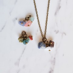 Dainty Minimal Antique Boho style tiny gemstone chip cluster Necklace