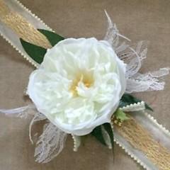 Ladies faux Floral Wrist Corsage