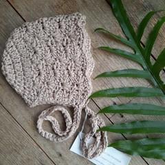 Newborn Crochet Baby Bonnet 0-6 months