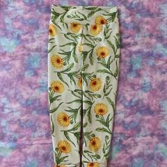Daisies girls size 3 full length leggings