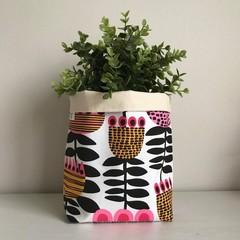 Large fabric planter | Storage basket | RETRO FLOWERS