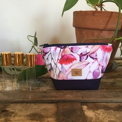 Essential Oil Purse