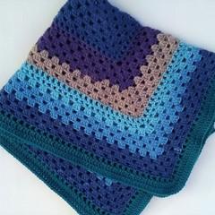 Crochet baby blanket/pram bassinet blanket rug