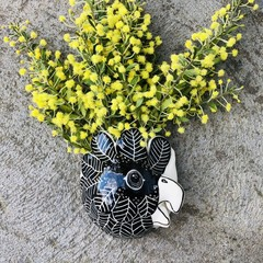 Black cockatoo  wall vase