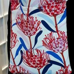 PROTEA floral Phone Bag