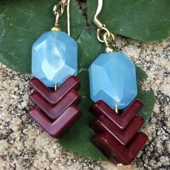 Gorgeous retro deep burgundy chevron & glass earrings.