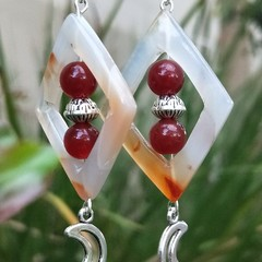 Agate diamond hangers with inset carnelian rounds.