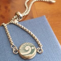 Green Wave Lariat Bracelet