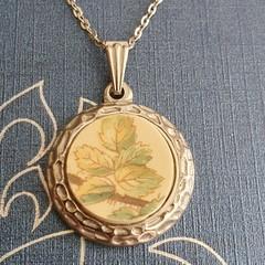 Vintage Leaves Pendant