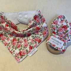 Gorgeous Cottage garden roses print cotton dribble bib and beech wood teething r