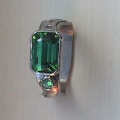 Tourmaline, Diamond & Platinum ring