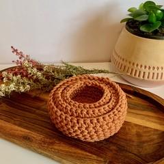 Set of 3 golden terracotta crochet nesting baskets