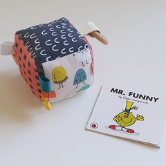 MR MEN | Soft Sensory Cube | Montessori Toy | Rattle | Sensory Toy