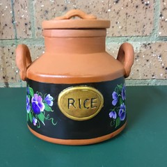 Terracotta rice container.