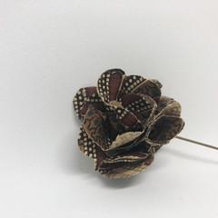 Brown Print  Lapel Pin