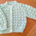 BABIES PATTERNED CARDI IN MINT BENDIGO 4 PLY 100% WOOL TO FIT 0-3 MONTHS.