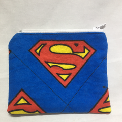 Pouch with zipper closure