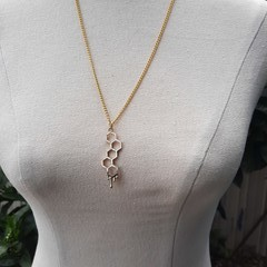 Honeycomb necklace gold