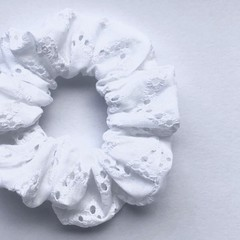 Embroidered Chevron Scrunchie - White - Scrunchy