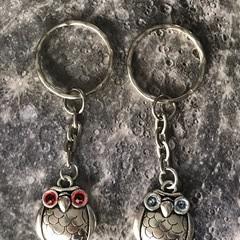 Keyring with Tibetan Silver Owl with Swarovski® crystal eyes.