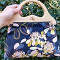Chrysanthemum handbag