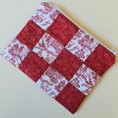 Red Medium Zippered Bag