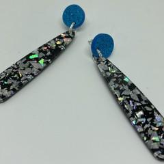 Glittery date night earrings