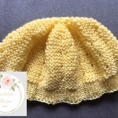 Baby Beanie 0-3 Months - Knitted