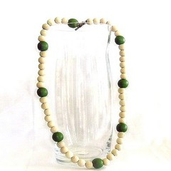 5th year wedding anniversar gift Wooden Bead Necklace Green & White.