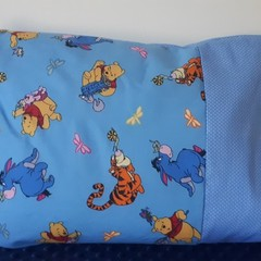 POOH AND FRIENDS PILLOWCASE/INNER FLAP/FITS TODDLER PILLOW/35CM X 50CM