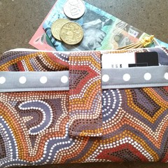 Dot phone purse