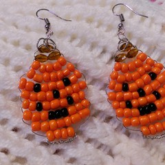 Beaded Pumpkin Design dangle earrings.