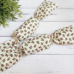 Fabric Christmas Crackers, Reusable bonbons, Christmas Table decorations, Holly