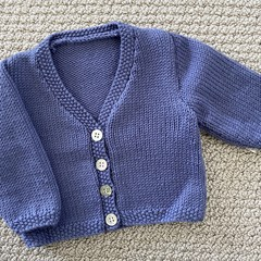 CLEARANCE 40% off Blue v neck cardigan size 0-3 months hand knitted