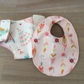 Dolls Nappy & bib set, feathers, teepees
