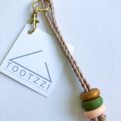 Texture Keychain (Copper + Olive + Lt Peach ) on Tan Chord w/ Gold Clip