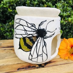 SOLD 🐝 Bee  Oil Burner
